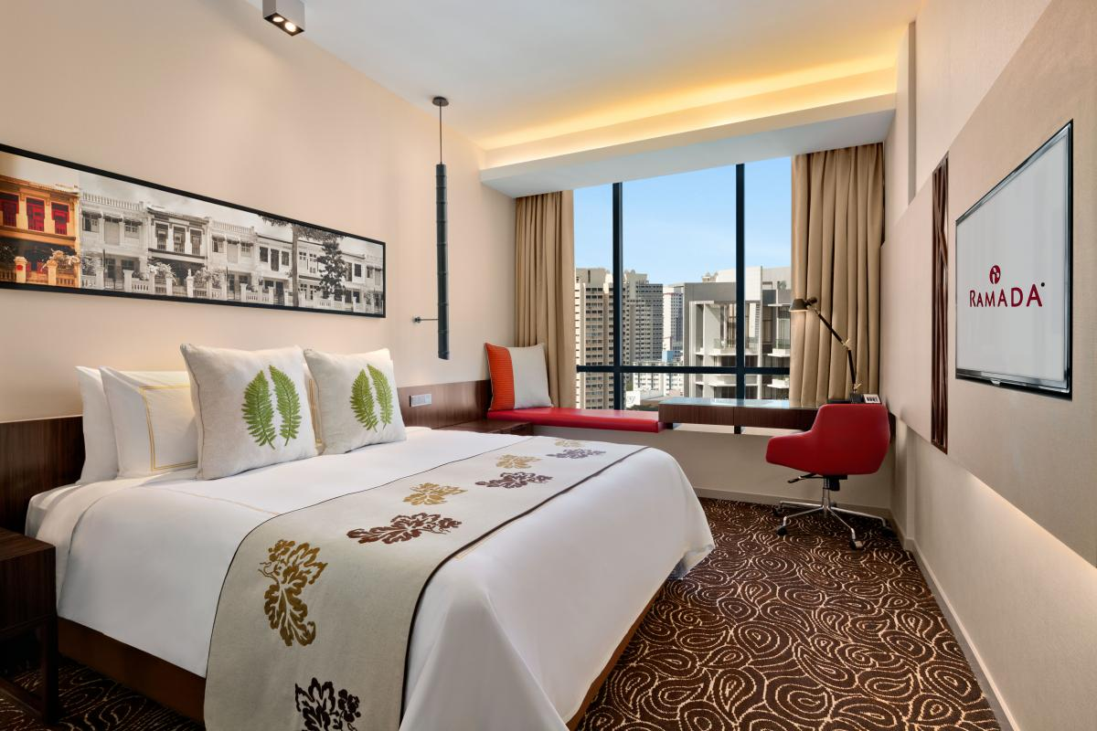 Ramada_Singapore_At_Zhongshan_Park_King_Bed_Room
