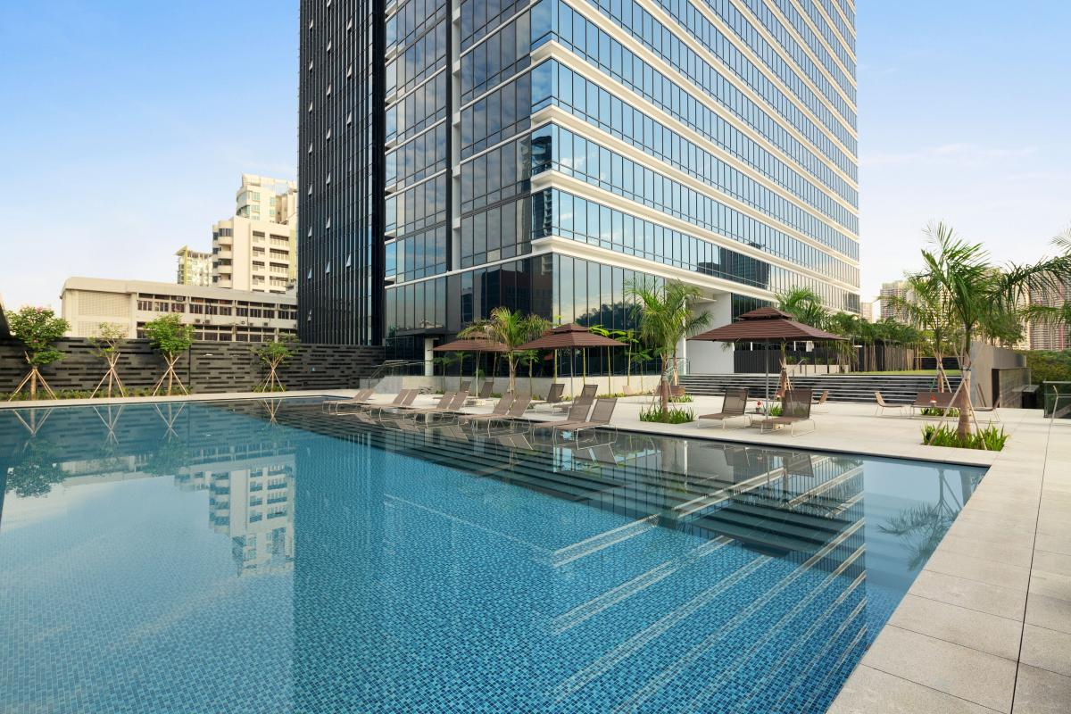 Ramada_Singapore_At_Zhongshan_Park_Pool_Day