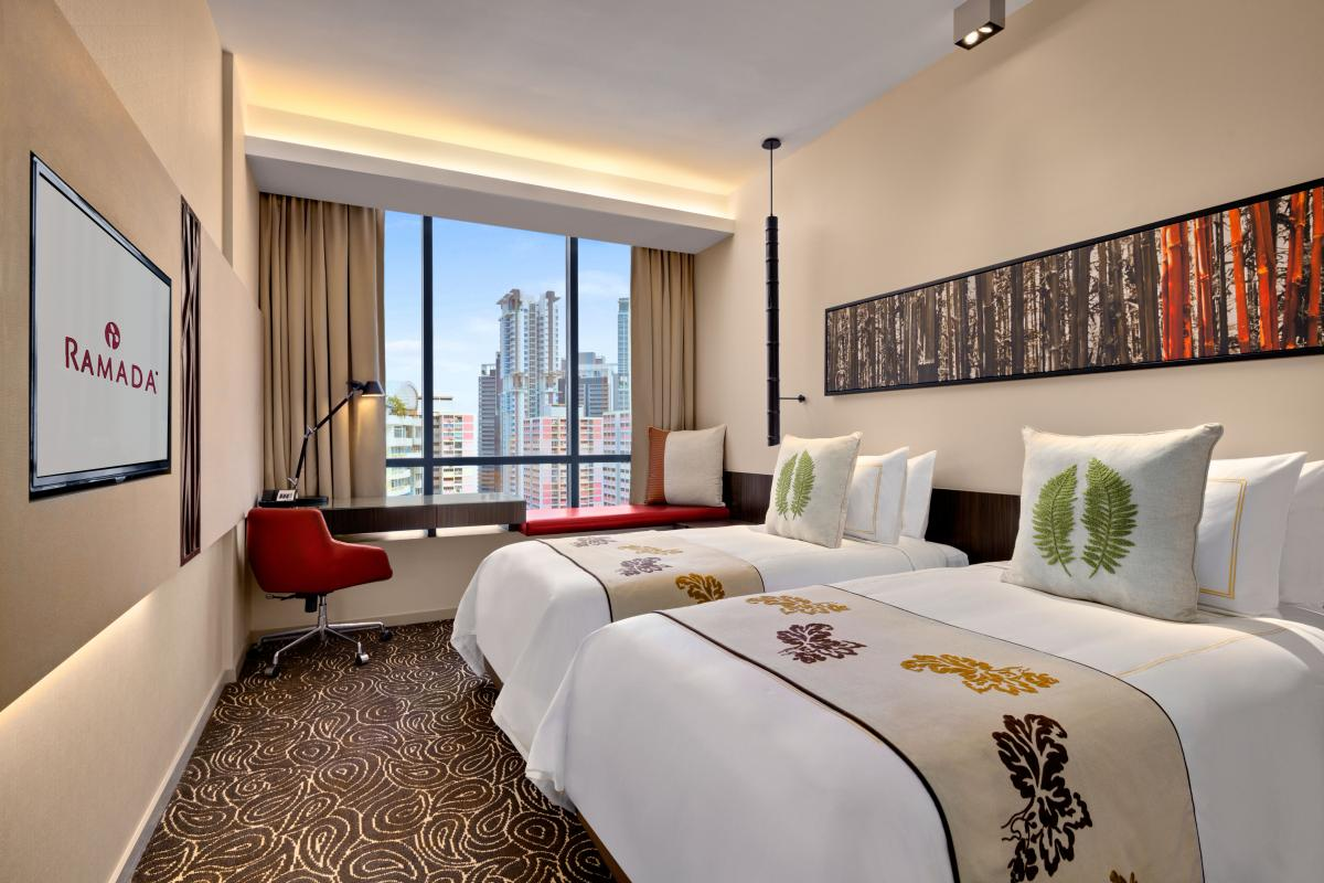 Ramada_Singapore_At_Zhongshan_Park_Twin_Beds_Room