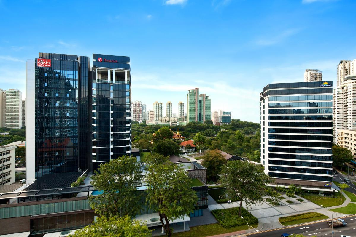 Ramada_and_Days_Hotels_Singapore_At_Zhongshan_Park_Day